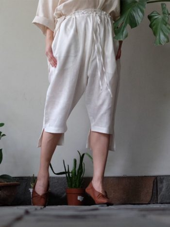 celana panjang pendek putih